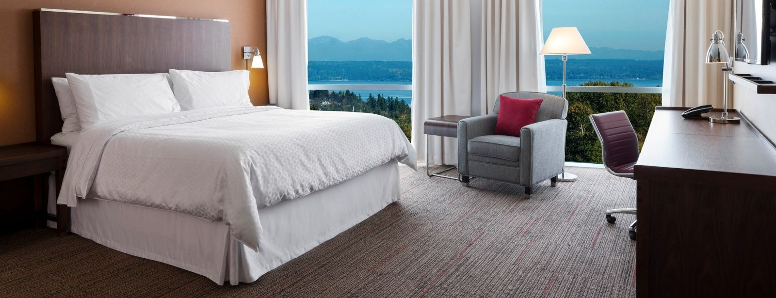 SeaTac Accommodations - Accessible Guest Room